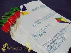 Convite Tema Catavento e Pipa.  Totalmente Personalizado.    Tamanho: 10 cm x 15 cm.  Papel Couchê 300 Gramas.