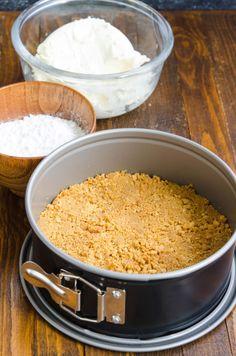 Cheesecake cu ananas si mango - Din secretele bucătăriei chinezești Mango, Cheesecakes, Biscuit, Caramel, Grains, Deserts, Food, Check, Salads