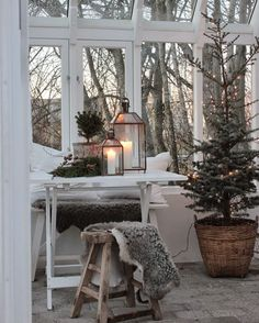 Hygge furnishing style: New Scandinavian trends - living with classics . - Hygge furnishing style: New Scandinavian trends – living with classics - Hygge Christmas, Cozy Christmas, Country Christmas, Xmas, Christmas Trees, Simple Christmas, Vintage Christmas, Christmas Garden, Swedish Christmas