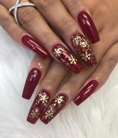 Here are the best Christmas acrylic nails designs, cute Christmas nails and red Christmas nails 2018 that We've Cherry Picked, to act as an inspiration for you! Xmas Nail Art, Cute Christmas Nails, Holiday Nail Art, Xmas Nails, Christmas Nail Art Designs, Winter Christmas, Classy Christmas, Christmas Crafts, Homemade Christmas