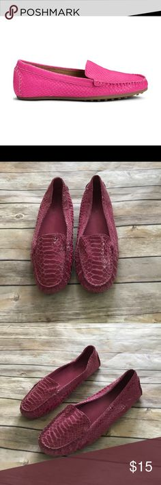 Aerosoles Vancouver snakeskin loafers Aerosoles snakeskin Vancouver loafers in used condition. These have minor signs of wear(pictured), but have plenty of life left in them. Make an offer or bundle and save ! AEROSOLES Shoes Flats & Loafers