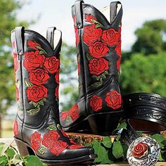 EMBROIDERED RED ROSE BOOTS - King Ranch Saddle Shop