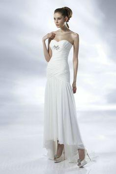 Asymmetrical Sweetheart Chiffon White Wedding Dresses With Ruffles And Beads
