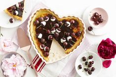 This homely and comforting custard pie is very similar to the South African milk tart and easy to make. Chocolate-covered cherries and a melted layer of apricot jam give it a beautiful sweetness. Chocolate Covered Cherries, Chocolate Cherry, Elizabeth Arden White Tea, Picnic Box, Milk Tart, Gin And Tonic, Food Gifts, Flan, Custard