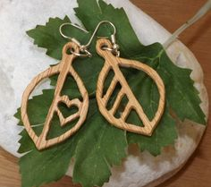 boucles d'oreille, chantourné en 3mm contreplaqué, brut earrings, scroll-sawed in 3mm plywood,