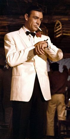 We Have Created This James Bond Ivory Tuxedo Using High Premium Quality Material. Sean Connery James Bond, James Bond Suit, James Bond Goldfinger, Bond Suits, James Bond Party, James Bond Style, James Bond Movies, James Bond Tuxedo, Gentlemans Club