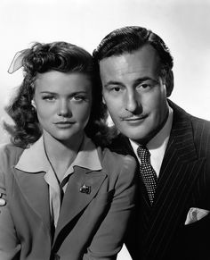 Simone Simon and Tom Conway - Cat People (1942)