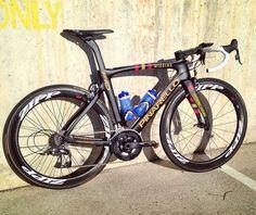 """Italian Cycling Brand on Instagram: """"La nuova bellissima #F10 del #TeamWiggins! Vi piace? Don't forget to follow my friend from ➡️ @t0p_bikes ⬅️ #Wiggins #Pinarello…"""""""