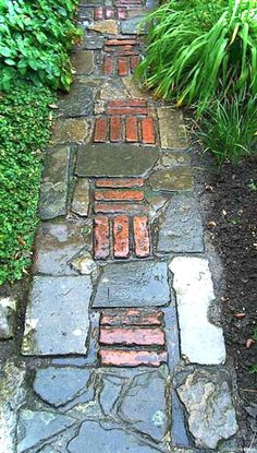 Diy Outdoor Walkway Pathways How To Build 19 Ideas For diyoutdoorcooler diyoutdoorpl .Diy Outdoor Walkway Pathways How To Build 19 Ideas For diyoutdoorcooler diyoutdoorplanters diyoutdoorporch brick garden paths: possible combinations with other Outdoor Walkway, Walkway Ideas, Patio Ideas, Backyard Ideas, Concrete Walkway, Paver Walkway, Flagstone, Paving Diy, Walkway Designs