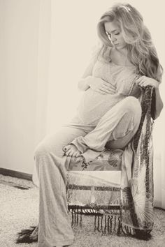I love this! I wish I could have done some of my own maternity pics, but I did not have a remote.