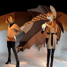 """MACY'S,Union Square, San Francisco, """"Country Life in Fall"""", pinned by Ton van der Veer Fall Store Displays, Gift Shop Displays, Shop Window Displays, Visual Merchandising Displays, Visual Display, Fall Window Decorations, Fashion Retail Interior, Window Display Design, Cardboard Display"""