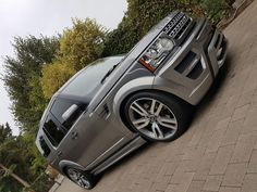 Our Land Rover Discovery Xclusive body kit perfectly transforms your Discovery 3 into a modern and luxurious vehicle that everyone desires. Touareg Vw, Freelander 2, Land Rover Models, Range Rover Supercharged, Nissan Patrol, Land Rover Discovery, Range Rover Sport, Full Body, Luxury Cars