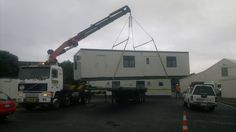 hiab truck lifting mobile house