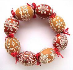 Egg Crafts, Easter Crafts, Diy And Crafts, Egg Tree, Greek Easter, Easter Egg Designs, Flower Pot Crafts, Ukrainian Easter Eggs, Easter Celebration