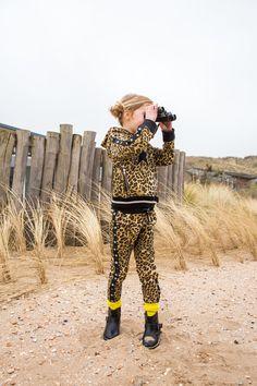 Met dit te gekke pak sta je zeker in de SPOTLIGHTS! #claesens #spotlight #kindermode #meisjes #girlslook #leopard #print Kids Mode, Spot Light, Girls, Hipster, Outfits, Clothes, Style, Fashion, De Stijl
