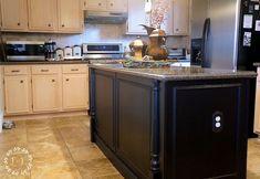 DIY+Builder-Grade+Kitchen+Island+upgrade