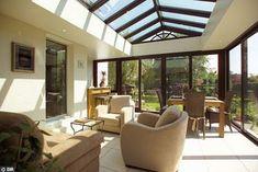 Sítio Bela Vista: O pergolado coberto - Varanda com telha transparente