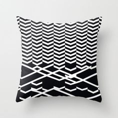 Defragmentation pillow by Leandro Pita