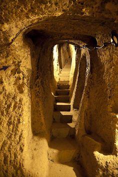 Massive Stone Age Tunnel System that Weaves from Scotland to Turkey   Deus Nexus