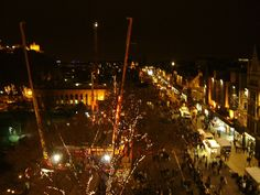 This year the Torchlight Procession for Hogmanay will go through Edinburgh's Old Town. Book now for a cheap Edinburgh hotel. http://www.tunehotels.com/my/en/our-hotels/haymarket-edinburgh/