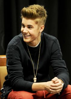 How normal people spell perfection: P.E.R.F.E.C.T.I.O.N How beliebers spell perfection: J.U.S.T.I.N  <3 <3 <3 <3