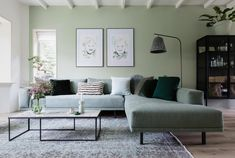 Discover recipes, home ideas, style inspiration and other ideas to try. Living Room Paint, Home Living Room, Living Room Decor, Interior Design Living Room Warm, Living Room Designs, Style At Home, Apartment Makeover, Living Room Inspiration, Home Fashion