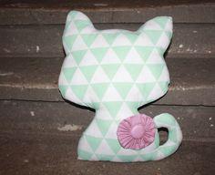 Kissen - Kissen mint Katze Dekokissen cat Deko Kinderzimmer - ein Designerstück von Handmade-Erzgebirge bei DaWanda