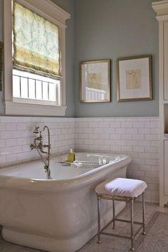 Gorgeous 90 Cool Modern Farmhouse Bathroom Design Ideas https://homeastern.com/2018/02/01/90-cool-modern-farmhouse-bathroom-design-ideas/