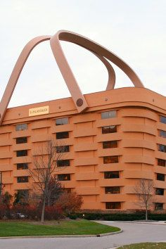 Unbelievable architecture of the world's most amazing buildings. This basket building is: Longaberger Basket Building, Newark, Ohio Unusual Buildings, Amazing Buildings, Amazing Architecture, Creative Architecture, Interesting Buildings, Architecture Design, Famous Buildings, Amazing Houses, Building Architecture