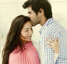 Kanchi Kaul & Shabbir Ahluwalia - couple moment