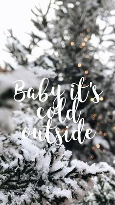 Baby Es Ist Kalt Draußen Weihnachten Baby Cold It S - Image Upload Services Christmas Time Is Here, Christmas Mood, Noel Christmas, Christmas Quotes, Christmas Lights, Christmas Images, Wallpaper Collage, Of Wallpaper, Wallpaper Backgrounds
