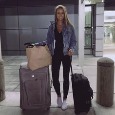 24 Comfy Airplane Outfits Ideas for Women