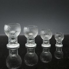 Taidelasi & designlasi - Bukowskis - Bukowskis Decorative Objects, Finland, Scandinavian, Nostalgia, Cocktails, Pottery, Ceramics, History, Vintage