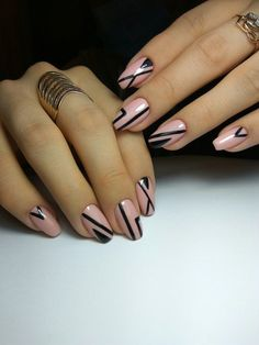 19 Featured Light Pink and Black Nail Art Designs to Try This Year Diy Nails, Cute Nails, Pretty Nails, Black Nail Art, Black Nails, Winter Nail Art, Winter Nails, Fabulous Nails, Gorgeous Nails