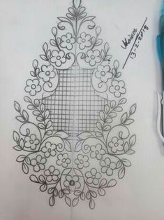 Border Embroidery Designs, Cutwork Embroidery, Floral Embroidery Patterns, Machine Embroidery Patterns, Embroidery Fashion, Embroidery Stitches, Wreath Drawing, Embroidery Techniques, Fabric Painting