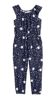 Sleeveless jumpsuit in a patterned weave with elastication around the neckline, waist and hems, side pockets and a decorative bow at the front. Kids Summer Dresses, Girls Dresses, Toddler Outfits, Kids Outfits, Fashion Kids, Party Fashion, Sparkle Outfit, Jumpsuit Pattern, Carters Baby Boys