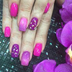 Your Nails. Gel con morados y rosas.