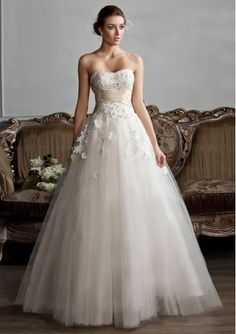 Tulle Strapless Neckline with Applique Lace up Closure Floor Length Ball Gown Wedding Dress WD-5067