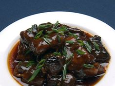 """Braised Oxtails """"Anton"""" recipe from Robert Irvine via Food Network French Garlic Bread, Food Network Recipes, Cooking Recipes, Meat Recipes, Fall Recipes, Oxtail Stew, Robert Irvine, Oxtail Recipes, Toast In The Oven"""
