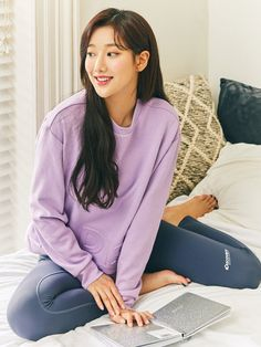 South Korean Girls, Korean Girl Groups, Living In Korea, Beautiful Asian Women, Korean Singer, Asian Woman, Asian Beauty, Idol, Celebs