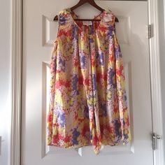 Dresses - Summer floral silk dress