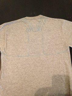 Livin' The Thrify Life: DIY no-sew workout tank - I saw it at. Diy Shirts No Sew, T Shirt Diy, Tee Shirts, Diy Clothing, Sewing Clothes, Shirt Alterations, Diy Crop Top, Tank I, Cycling Outfit