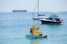 Lipton Ice Tea - Floating Vending Machine Lipton Ice Tea, Vending Machine, Iced Tea, Boat, Activities, Vending Machines, Ice T, Boats, Sweet Tea