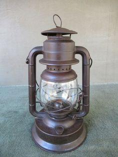 Antique Lantern DIETZ D-LITE Vintage Primitive No 2 Kerosene Oil Barn Lamp Old Lanterns, Antique Lanterns, D Lite, Kerosene Lamp, Oil Lamps, Glass Shades, Primitive, Coffee Maker, Antiques
