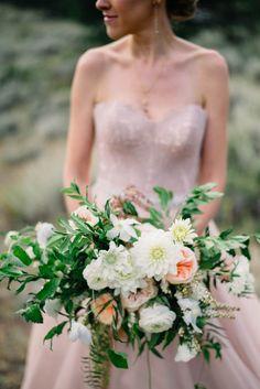 Romantic-Estes-Park-Wedding-at-Taharaa-Mountain-Lodge (16 of 27)