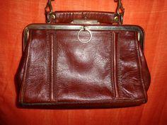 Vintage Handtaschen - Tasche*Vintage*rot*braun*rot*henkeltasche*Leder* - ein Designerstück von SweetSweetVintage bei DaWanda