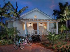 Surf shack dream home Beach Cottage Style, Coastal Cottage, Coastal Homes, Beach House Decor, Coastal Living, Coastal Decor, Coastal Style, House On The Beach, Beach Homes