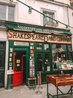 2 Days in Paris - Your Perfect Itinerary - Teaspoon of Adventure - Shakespeare & Company bookstore in Paris. Here's your perfect itinerary for 2 days in Paris! Paris France, Oh Paris, Paris Cafe, France Europe, Montmartre Paris, Streets Of Paris, A Day In Paris, Paris Travel Tips, Travel Things