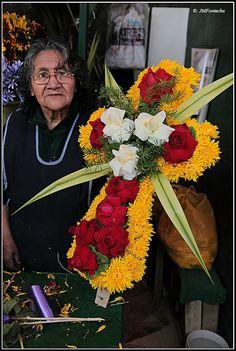 Funeral Floral Arrangements, Rose Flower Arrangements, Romantic Flowers, Wedding Flowers, Corona Floral, Flower Spray, Funeral Flowers, Mesh Wreaths, Crosses