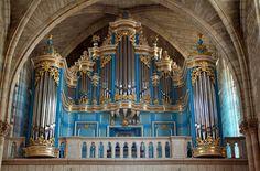 L'orgue Guillemin - The Guillemin organ (1994) in the church of Saint Vincent, Mérignac, Bordeaux, France;  photo by zoreil, via Flickr